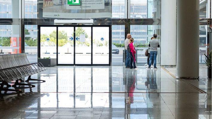 Bruselas pide a España 'criterios científicos' para imponer una cuarentena a los turistas internacionales