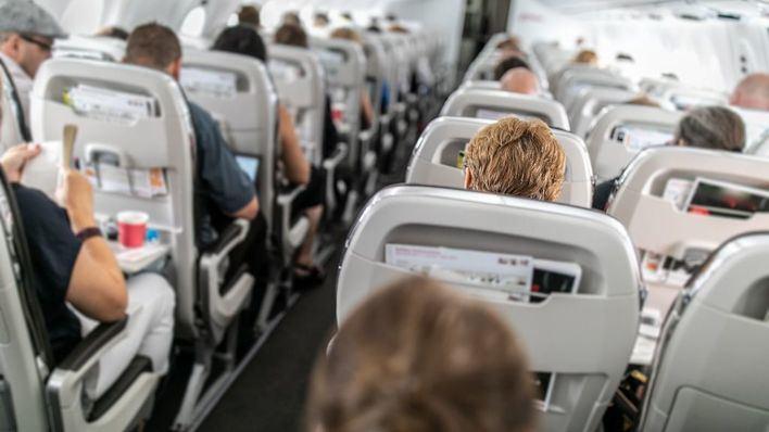 El Govern reclama medidas a Aviación Civil para mantener una distancia de seguridad entre pasajeros