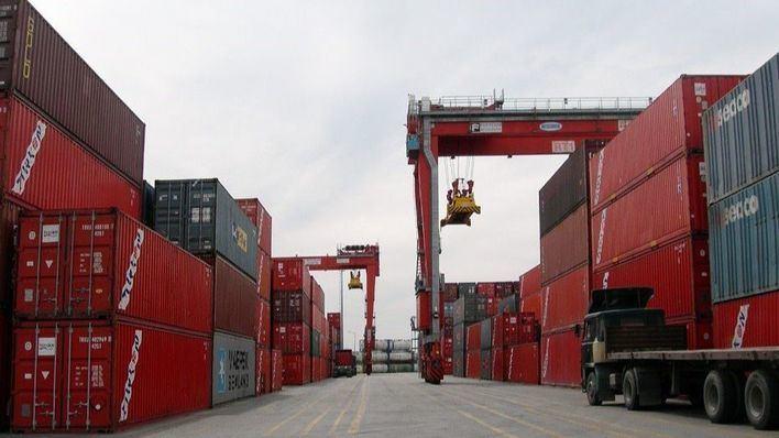 El tráfico de mercancías en los puertos baleares cae un 52 por ciento en abril