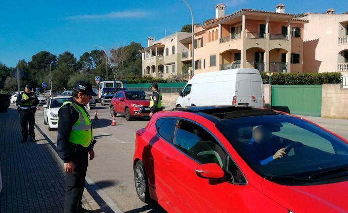 Pescar en el puerto de Palma y hacer la compra en grupo, entre las denuncias por incumplir el confinamiento