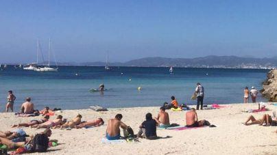 Palma pondrá informadores, socorristas y policía a controlar la distancia entre bañistas