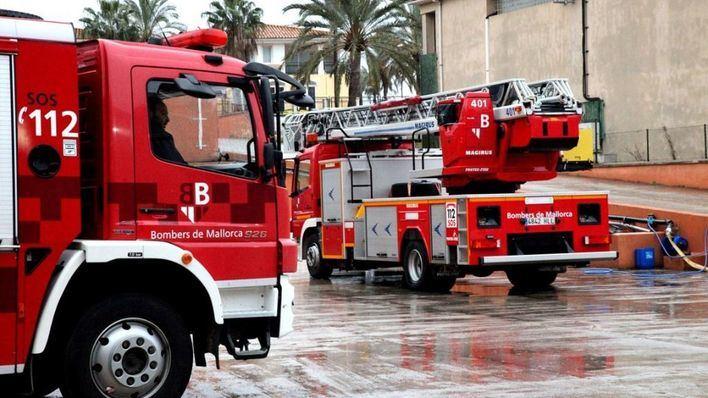 Desalojan un edificio de Cala Millor tras derrumbarse tres balcones
