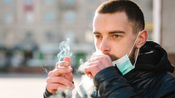Alertan de que fumar duplica el riesgo de progresión grave del coronavirus