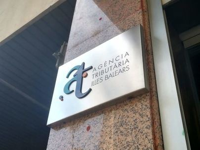 La AEAT recupera hoy la atención presencial con cita previa en oficinas en fase 2, pero no para la Renta