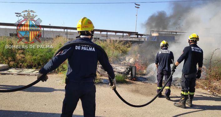 Alarma por un incendio en el recinto de la Feria de abril de Palma