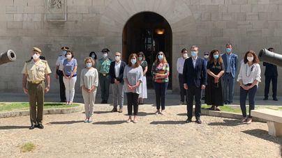 Minuto de silencio en memoria de las víctimas del coronavirus