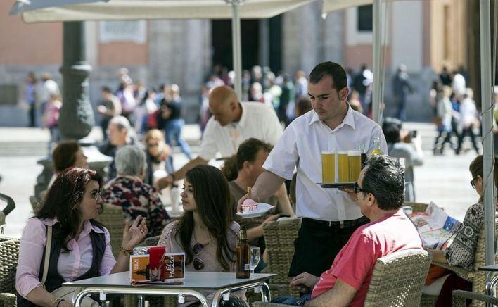 La hostelería pide el rescate de la mano de la CEOE y grandes chefs nacionales