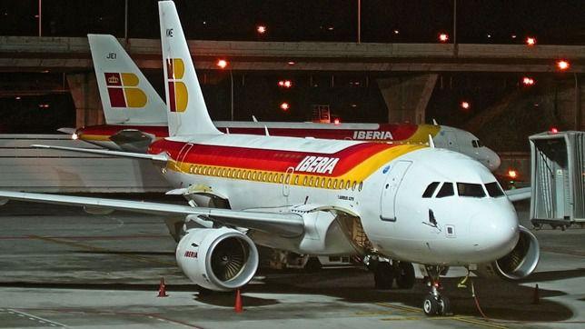 Iberia programa 388 vuelos semanales en julio y 718 en agosto