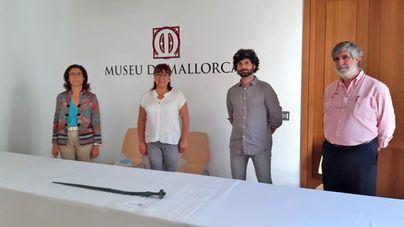 La espada prehistórica hallada en Puigpunyent podrá verse en otoño en el Museu de Mallorca