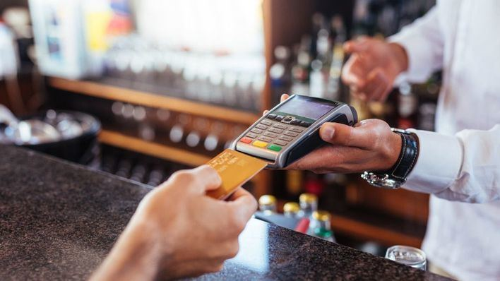 El gasto con tarjeta cae un 48 por ciento en Baleares por el confinamiento