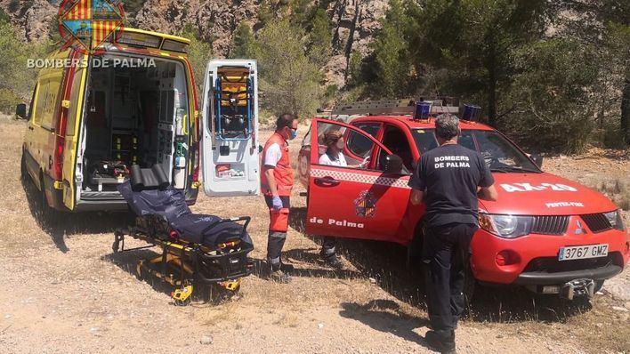 Los bomberos rescatan a una mujer que hacía senderismo en la zona de La Vileta