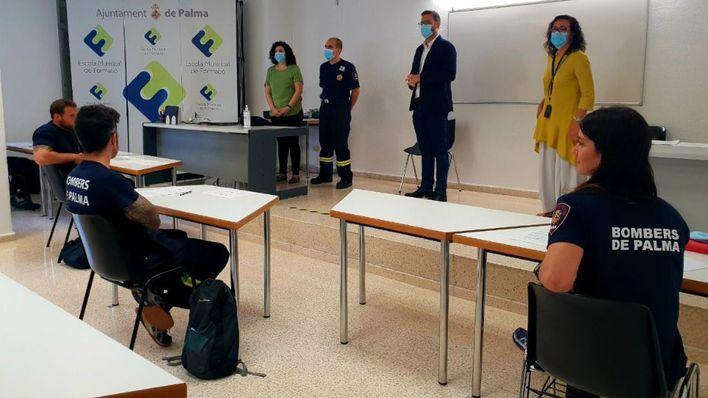 Los futuros bomberos de Palma comienzan su curso de formación