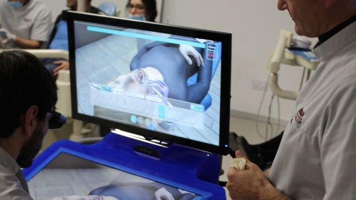 ADEMA, ejemplo de innovación tecnológica con sus simuladores odontológicos y tecnologia 3D