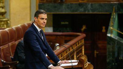 Sánchez saca adelante la sexta prórroga en una sesión dura y bronca