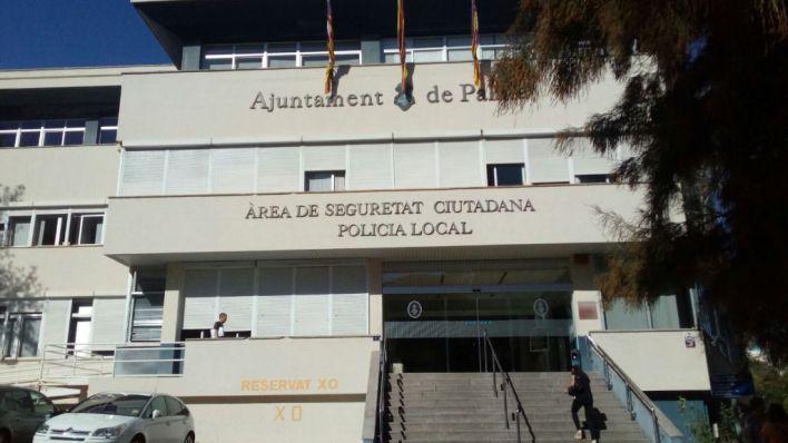 Playa de Palma: Se pasea con un cuchillo por la calle y escupe a los policías 'para contagiarles el coronavirus'