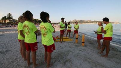 Alcúdia inaugura los servicios en las playas bajo estrictos protocolos de seguridad