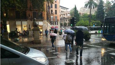 Chubascos y tormentas localmente fuertes acompañadas de granizo este lunes en Baleares