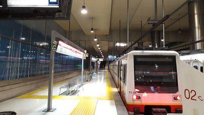 Los usuarios de metro y autobús en Palma se desploman más del 90 por ciento