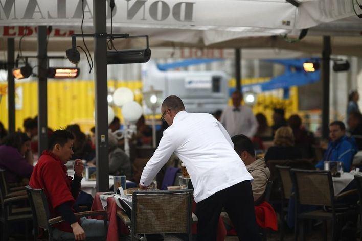 La hostelería lidera el crecimiento de las contrataciones en mayo