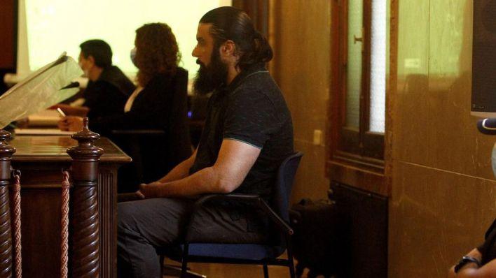 El juez condena a 24 años y medio de cárcel al asesino de Sacramento Roca