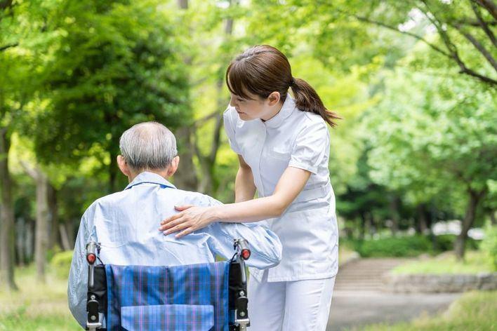 Los mayores sanos que viven en residencias podrán salir del centro a partir del domingo