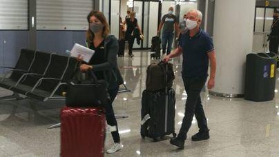 Sanidad rechaza los test masivos a los turistas y lo deja en manos de las comunidades