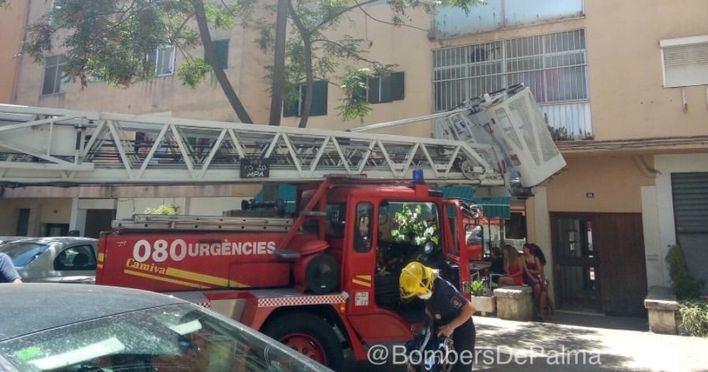 Los bomberos localizan en su piso de Son Oliva el cadáver de un hombre