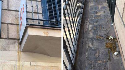 Ciudadanos denuncia el ataque con huevos a su sede en Palma