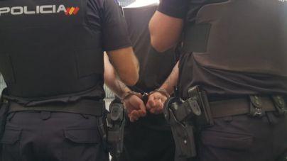 Detenido por un robo con violencia en un bar de La Soledat