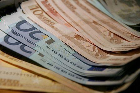 El 63,6 por ciento de encuestados usa billetes y monedas sin temor a posibles contagios