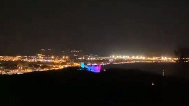 El Castillo de Bellver se ilumina con la bandera del arcoíris