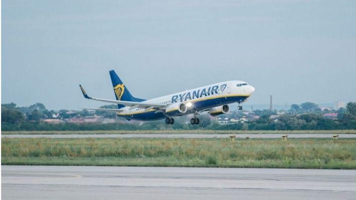 Ryanair prohibirá a los pasajeros hacer filas en el embarque y hacer cola para ir al baño
