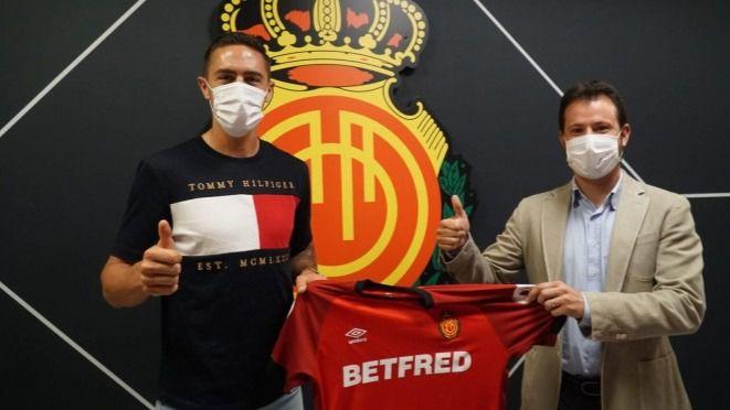 Antonio Raíllo renueva con el Mallorca hasta 2024