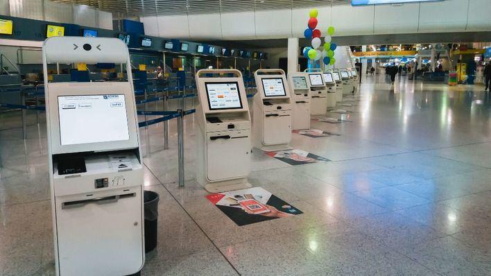 Grecia apuesta por el turismo: abre todos sus aeropuertos y amplía la lista de países