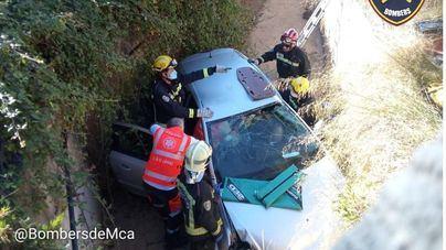 Aparatoso accidente de tráfico en la autopista de Inca