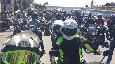 Más de tres mil moteros recorren Mallorca en recuerdo de Luis Salom