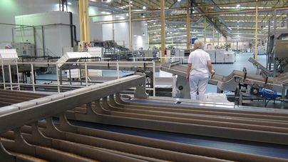 Baleares lidera la caída de la producción industrial con un 35 por ciento