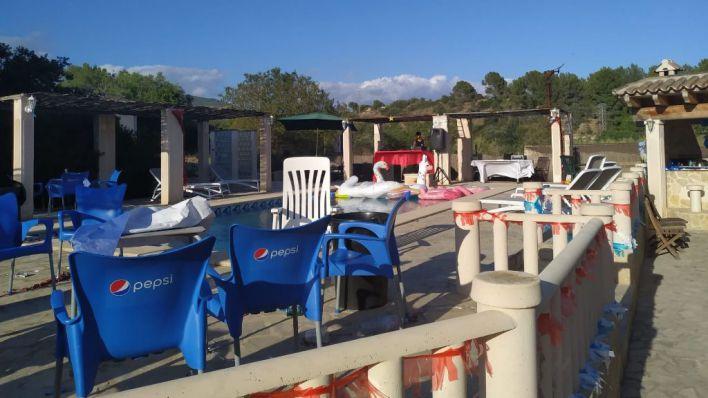 Pool party y drogas: desmantelan una fiesta en Costa de la Calma con cien personas