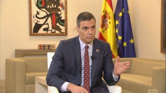 Sánchez se desmarca de las críticas a la prensa de Iglesias y Podemos