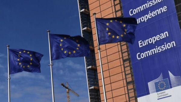 La Comisión Europea prevé que la economía española caerá un 10,9 por ciento este año