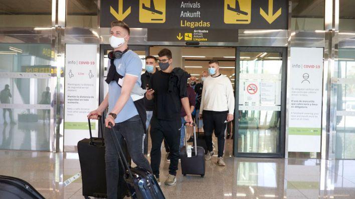 Los hoteleros de Ibiza y Formentera advierten que el uso obligatorio de mascarilla afecta al turismo