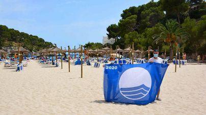 Las banderas azules ya ondean en las playas de Santanyí