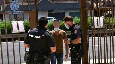 Detenidos dos hombres que atropellaron al vigilante de un supermercado tras un robo