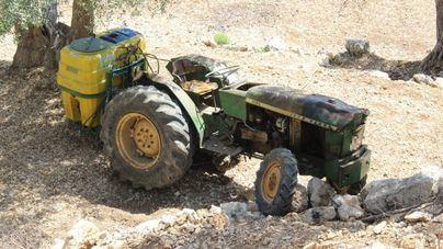 Fallece un hombre en Alaró al volcar el tractor con el que trabajaba