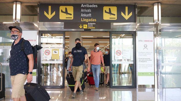 El tráfico aéreo en Son Sant Joan cae un 96,7 por ciento en junio respecto a 2019