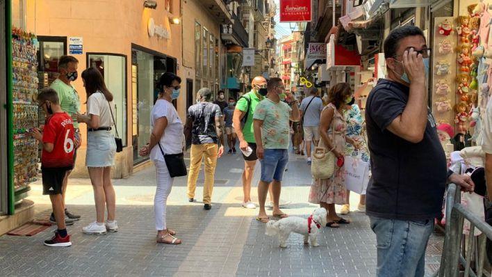 Mascarilla: no será obligatoria en paseos 'poco concurridos' y se empezará a multar el lunes
