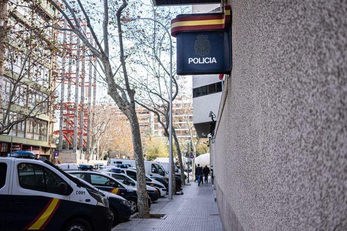 Detenido un hombre por abusar y maltratar a su hija de 16 años en Palma