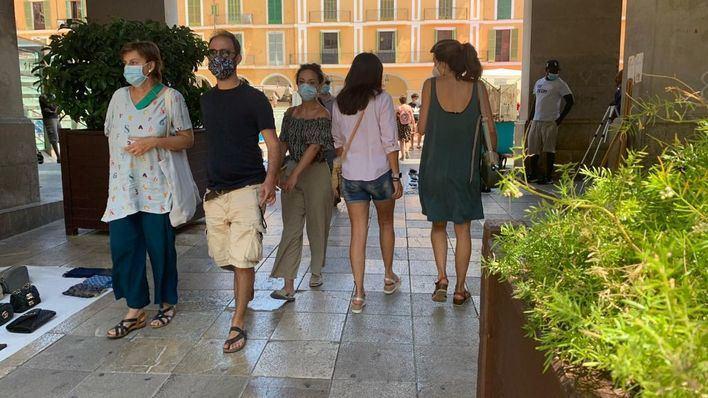 El Govern alecciona a las policías locales: sin multas sobre mascarillas hasta el 20 de julio