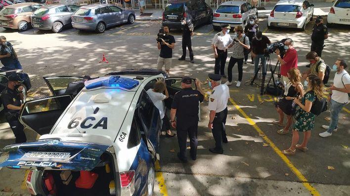 La Policía Nacional estrena cinco vehículos patrullas inteligentes i-ZETA
