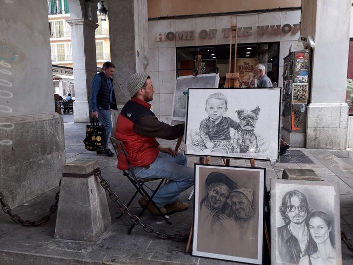Cort regula los espacios de la vía pública destinados a los artistas callejeros